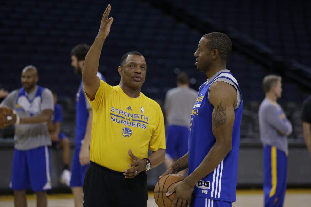 Pelicans coach Alvin Gentry honored before game against Golden State Warriors _lowres