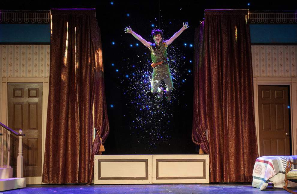 Enchanting 'Peter Pan' swoops into audience's hearts _lowres