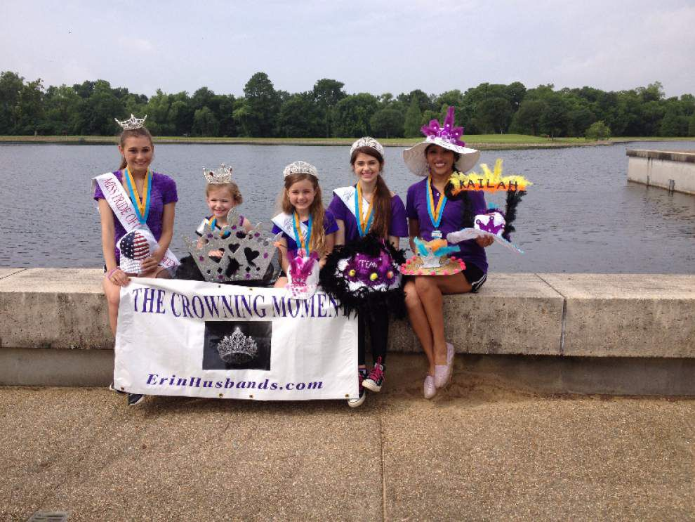 Beauty queens walk in LSO Foundation event _lowres