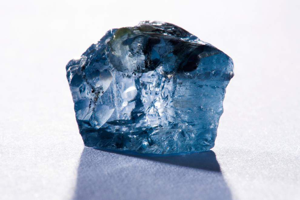 Rare blue diamond found in South Africa _lowres