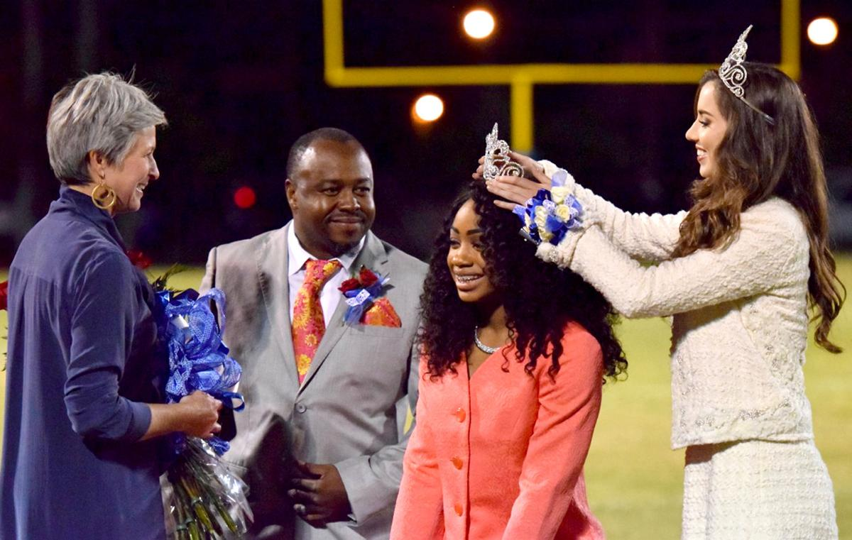 Kia Lafayette La >> West Feliciana High School crowns homecoming queen, names ...
