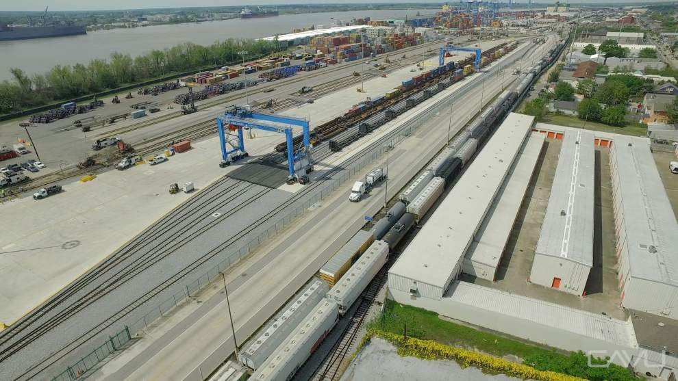 Container shipments set monthly record at Port of New Orleans terminal _lowres