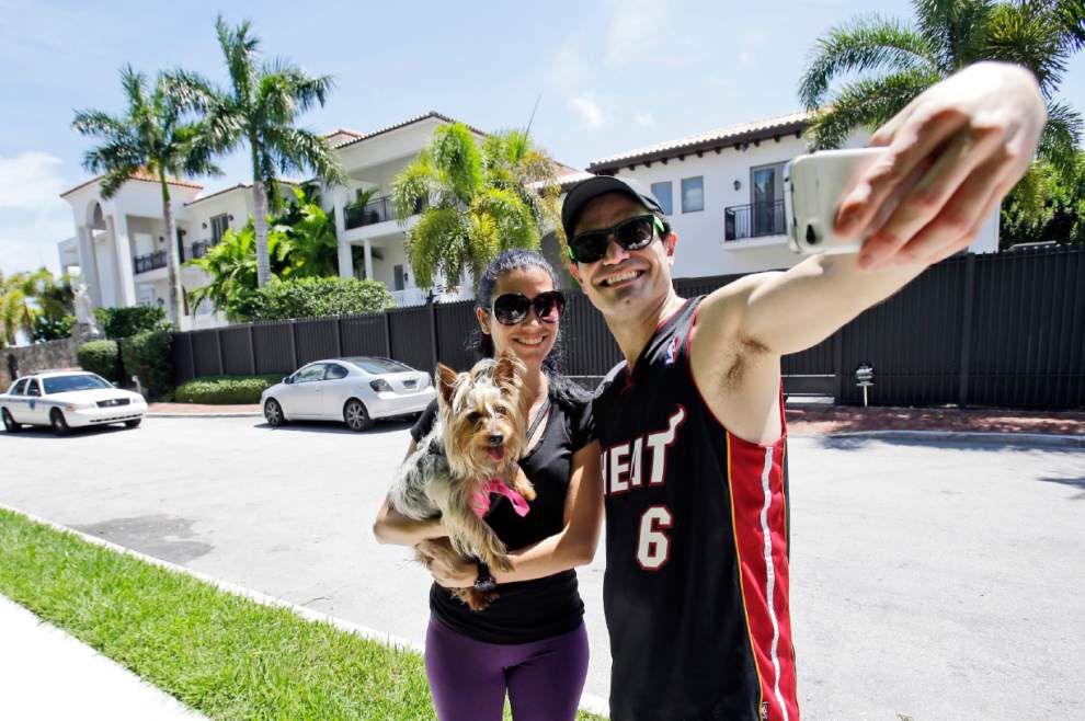 Litke: LeBron James out to prove you can go home again _lowres
