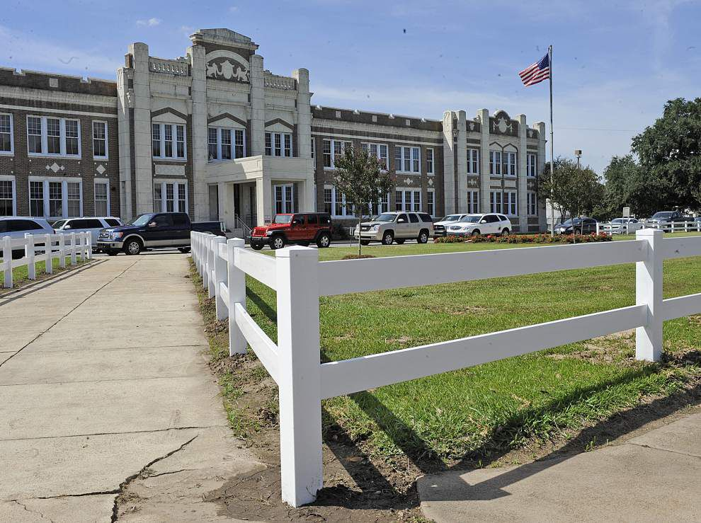 With a boost from Stone Energy, Lafayette Middle School gets a makeover _lowres