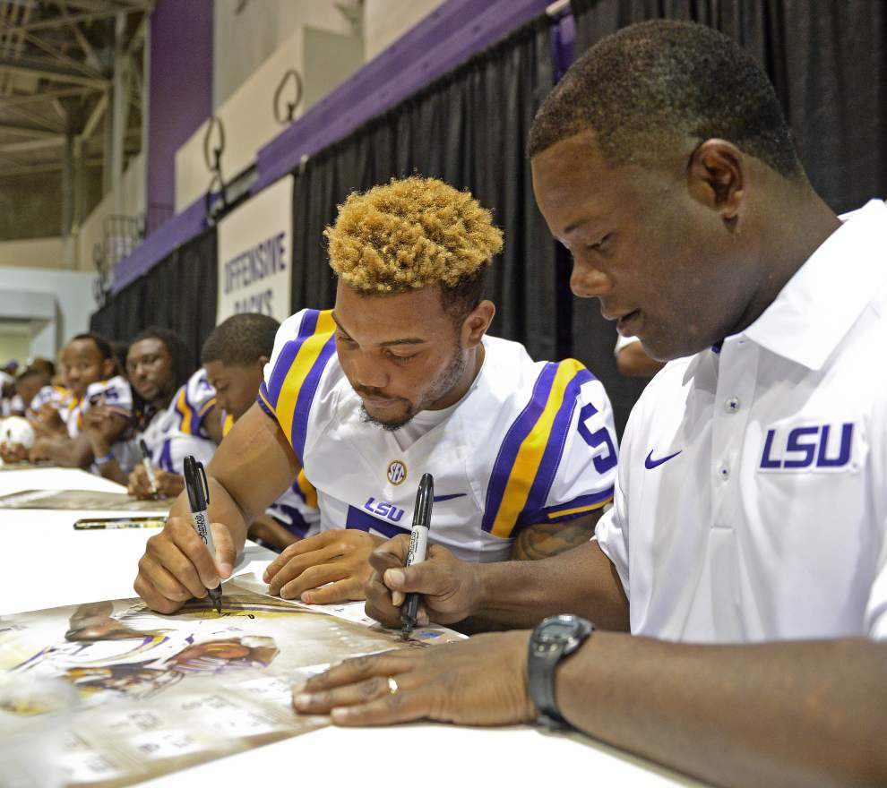Two of a kind: LSU RBs Derrius Guice, Nick Brossette continue on identical trajectories _lowres