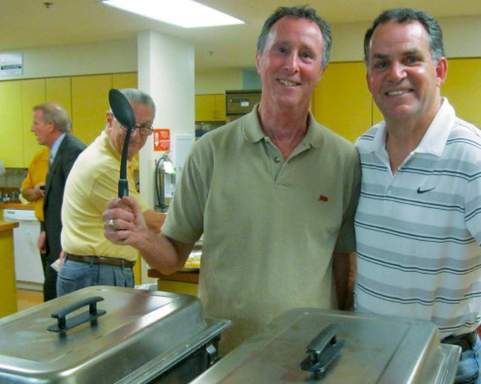 Rotarians assist at Patrick Taylor Hope Lodge _lowres
