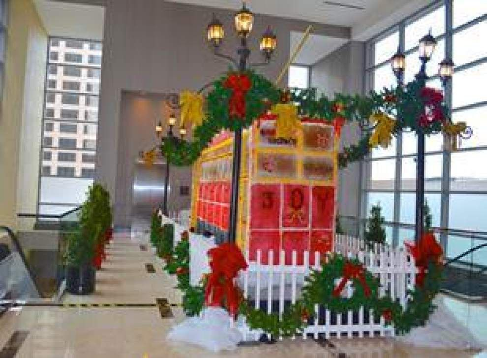 Just don't eat it: Life-size gingerbread streetcar on display at Hyatt Regency New Orleans _lowres