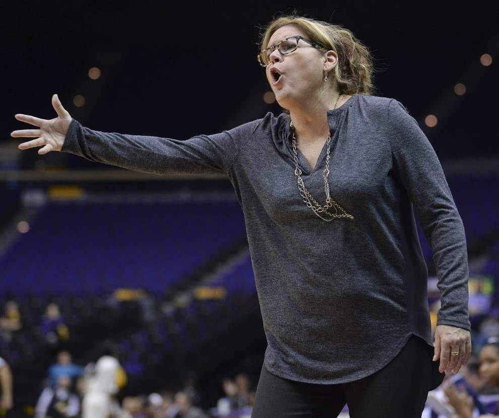 Danielle Ballard returns as Lady Tigers down Vanderbilt _lowres