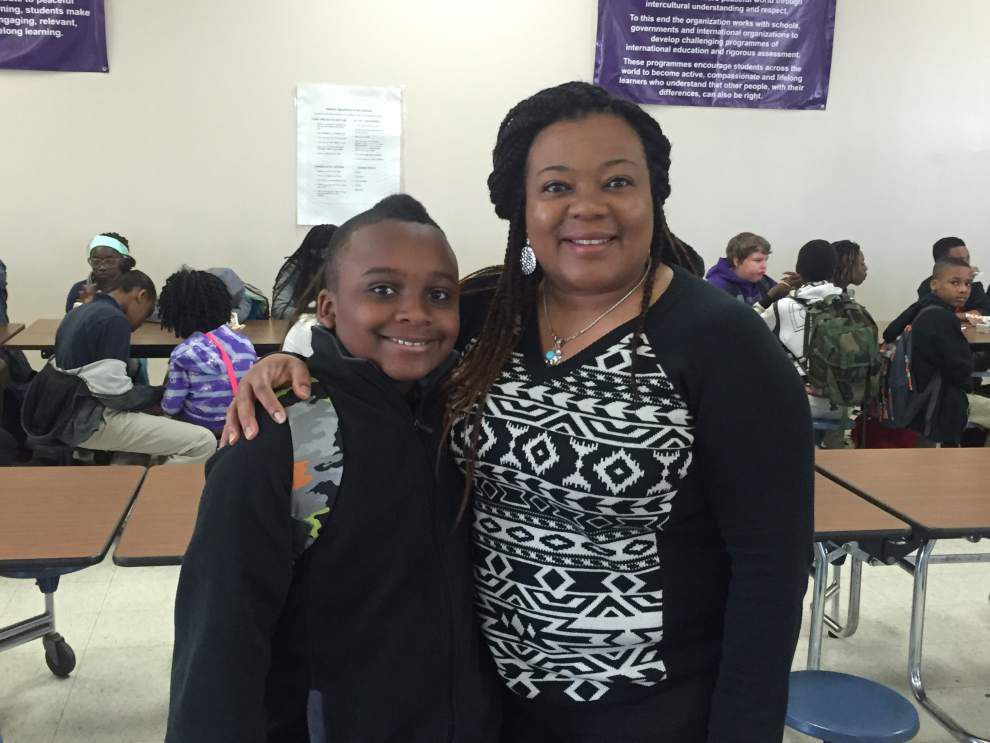 Hammond Eastside holds Muffins for Moms event _lowres