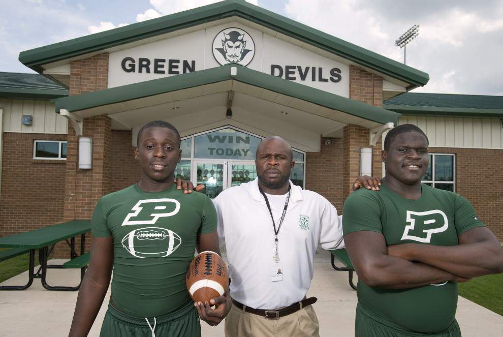 Twins Kenny and Kevin Dotson help anchor Plaquemine offensive line _lowres