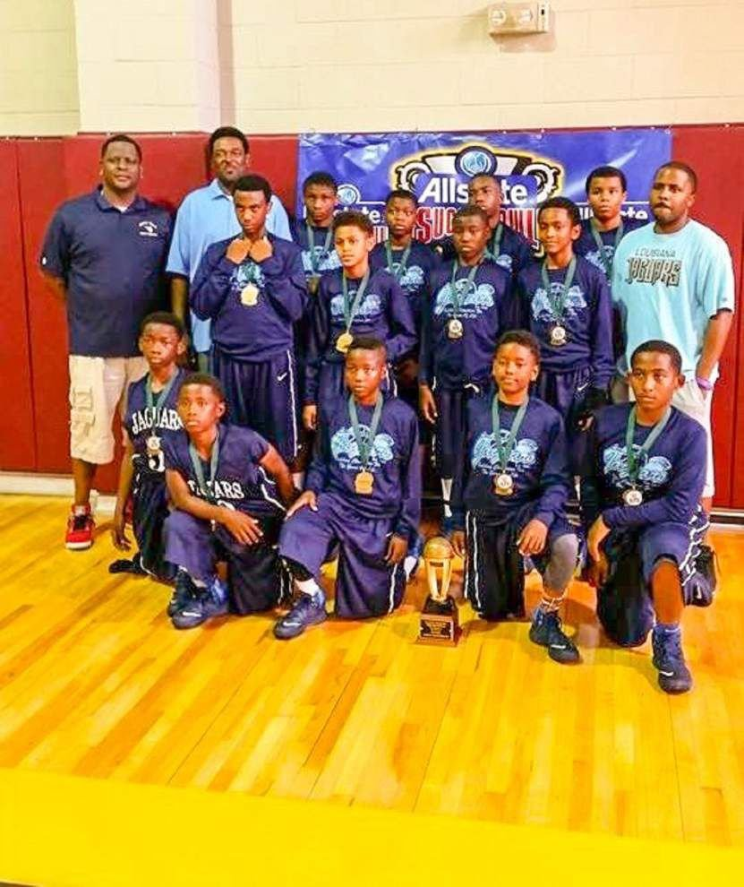 Jaguars basketball team takes second in tournament _lowres