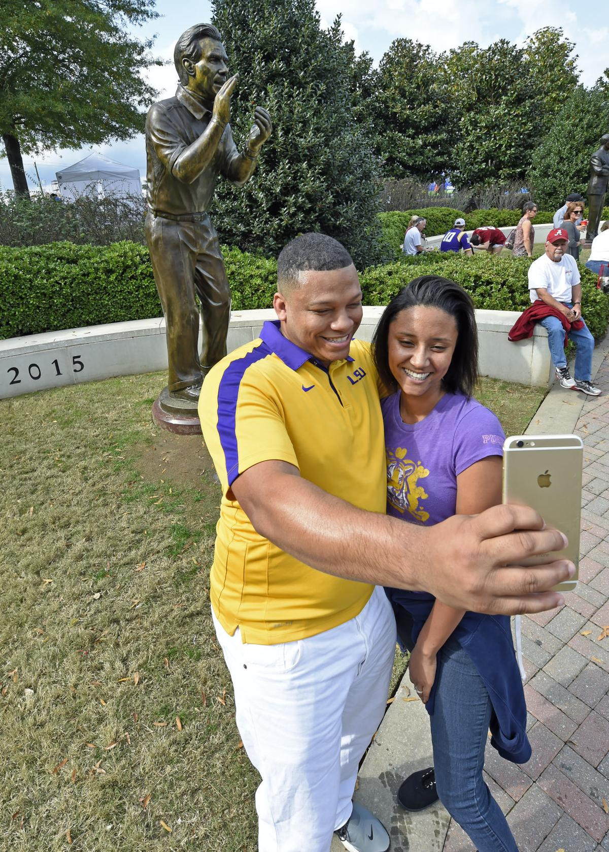 lsufans0016.110517 bf