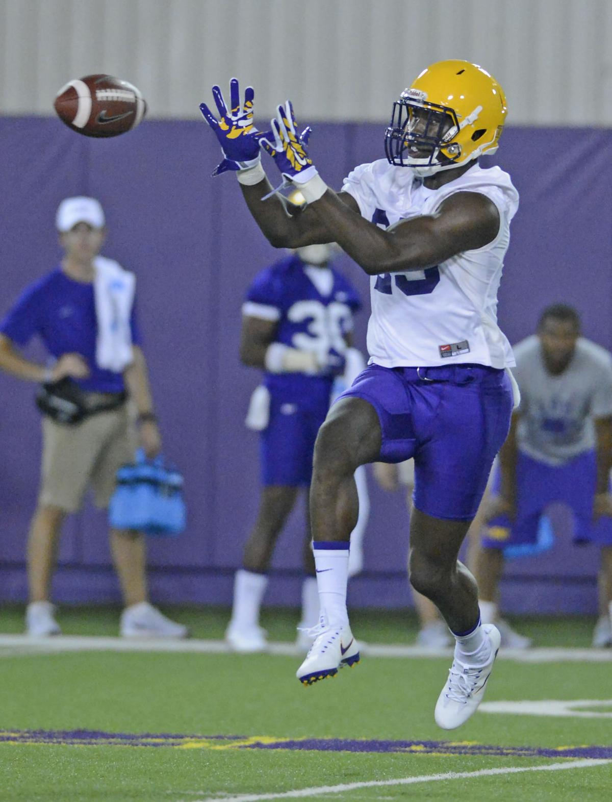 LSUFootball.080516 HS 411.JPG _lowres