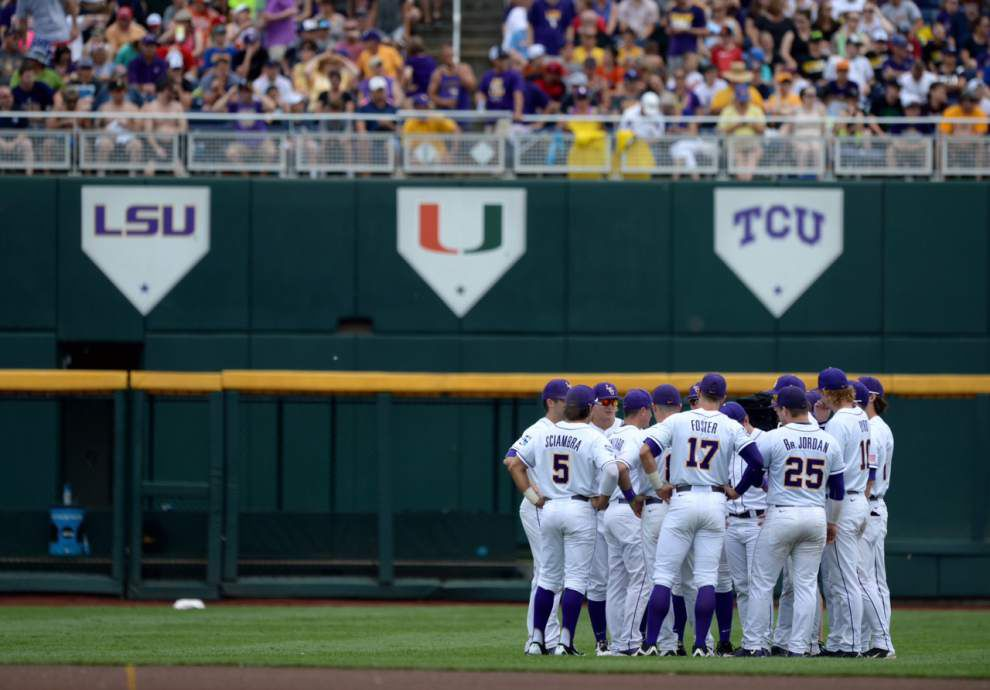 LSU's CWS opener with TCU delayed by rain _lowres