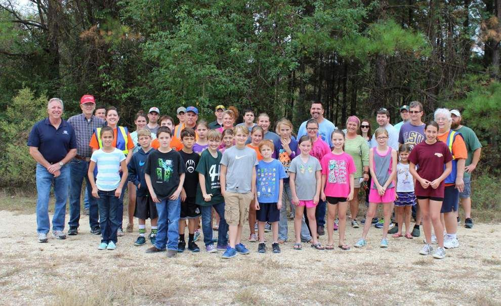 4-H Shooting Sports program gets donation _lowres