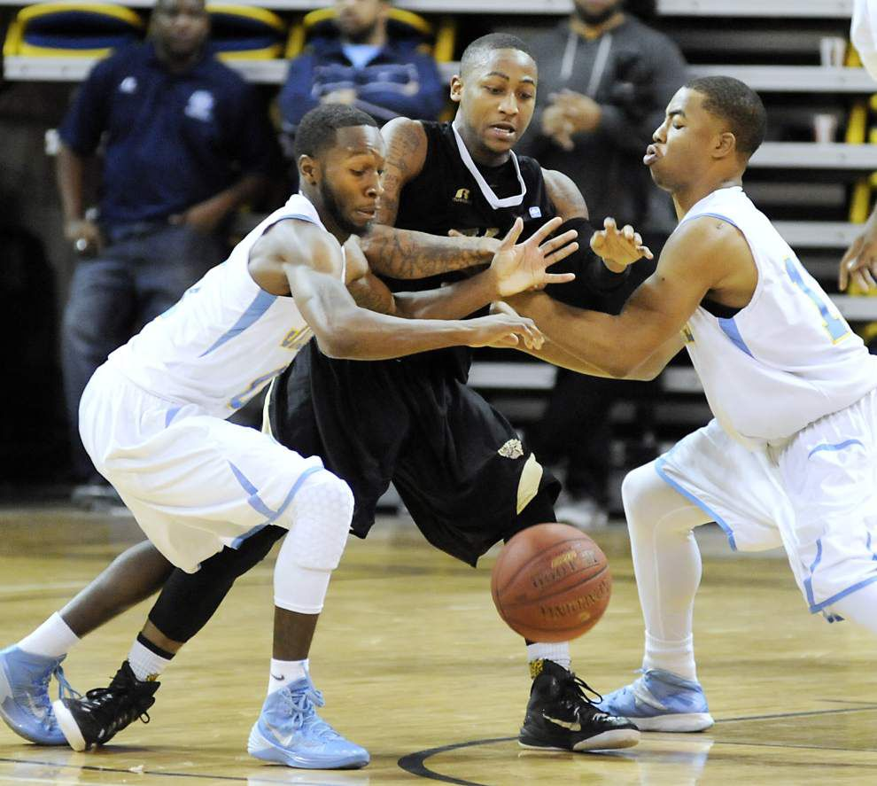 Defense keeps Jaguars in SWAC race _lowres