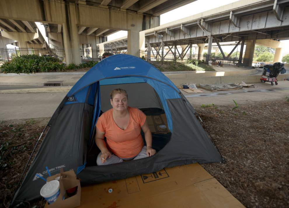 Displaced from one camp, city's homeless set up another _lowres