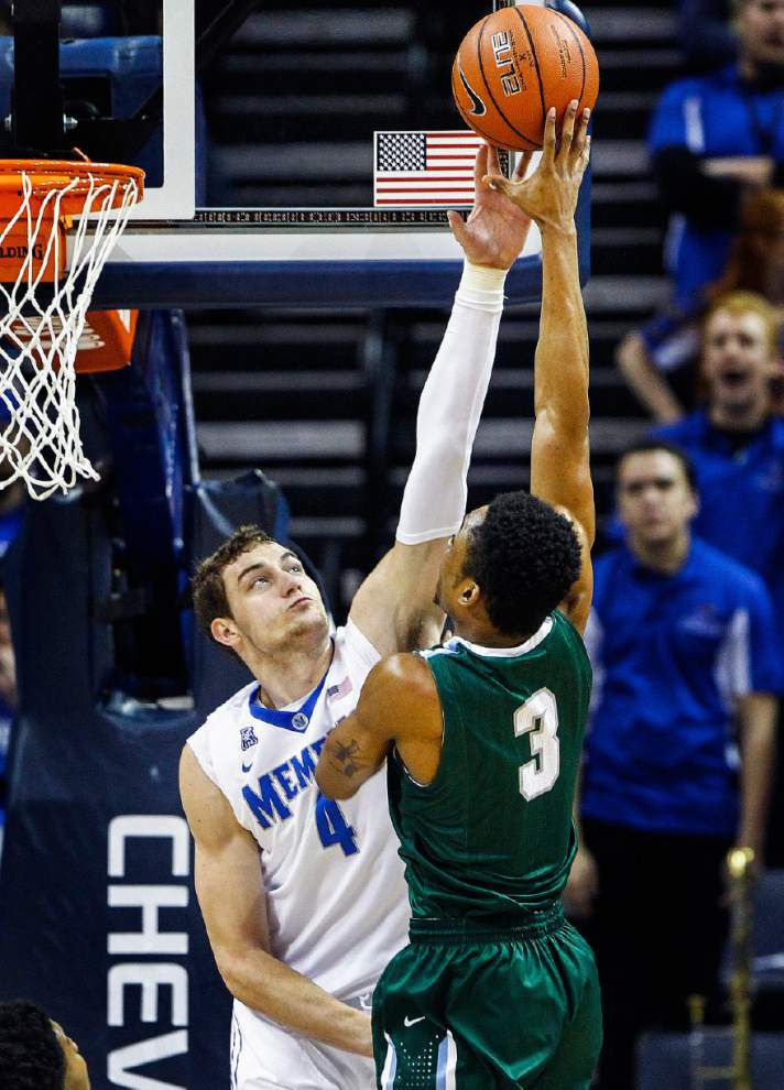 Tulane ends 22-game losing streak against Memphis with a 74-66 victory _lowres