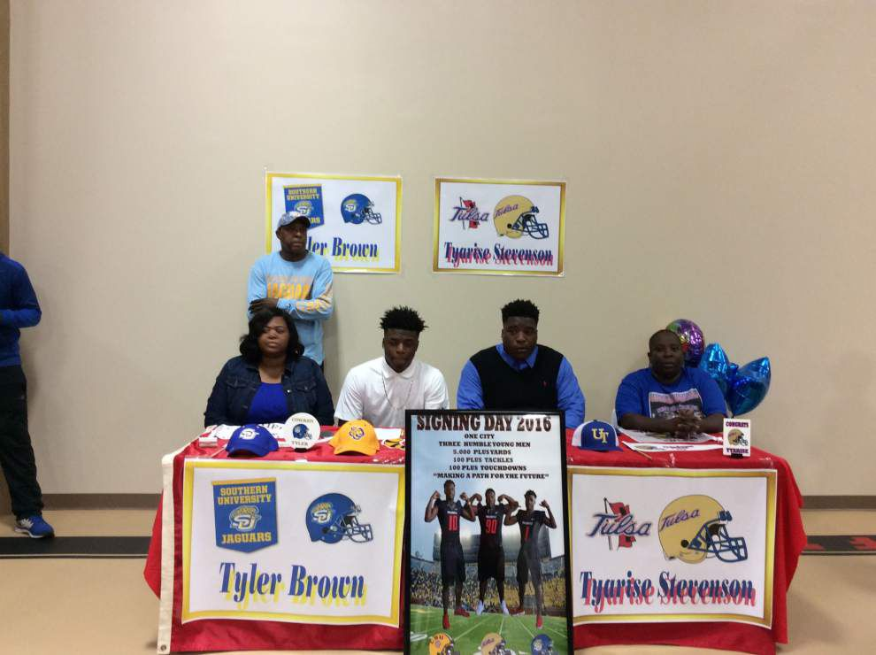 Donaldsonville football players commit to colleges _lowres