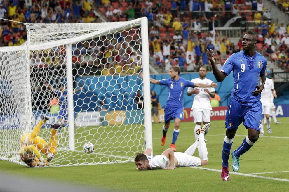 World Cup roundup: Mario Balotelli's strike lifts Italy past England _lowres