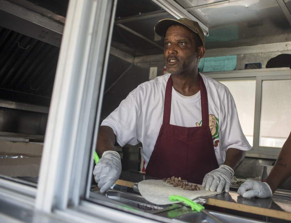 Food trucks rolling onto La. campuses _lowres
