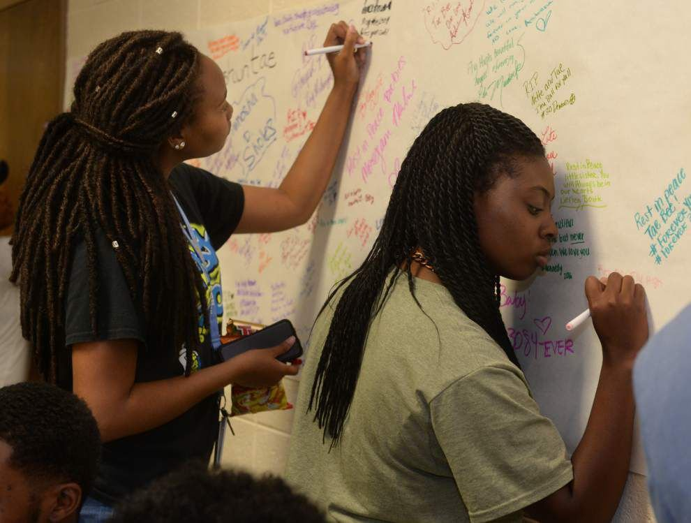 Friends, families, strangers pray, weep, sing at memorial Tuesday for two slain Southern University students _lowres