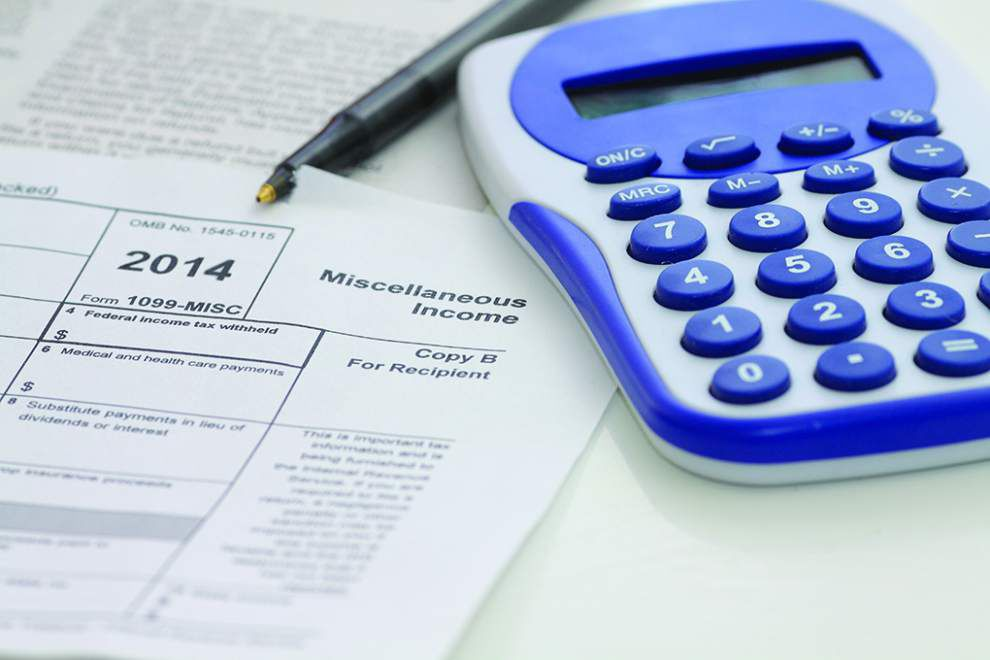 AARP and IRS work together to provide free tax-preparation services _lowres