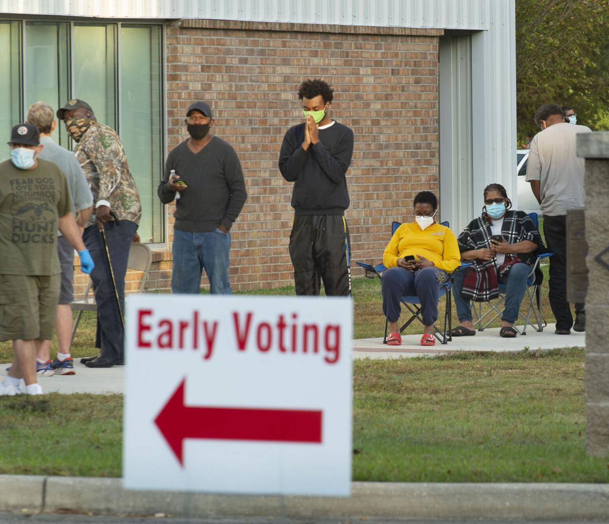 BR.earlyvoting.102820 TS CROP 512.jpg