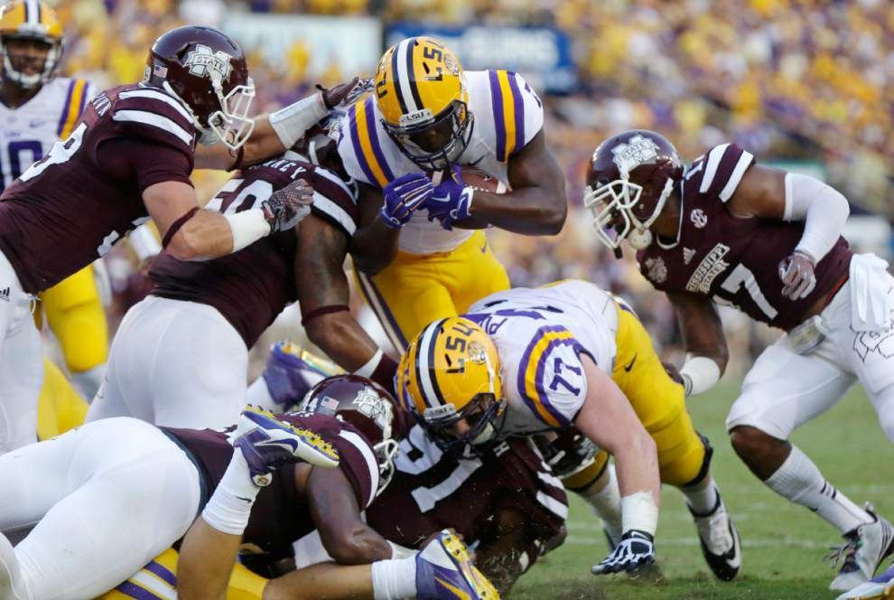 Notebook: LSU's offense is getting boxed in by run-oriented opposing defenses _lowres