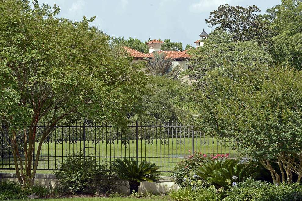 Pennington estate — main house, 4-bedroom cabana, 2 pools and a pond — sells for $6 million _lowres
