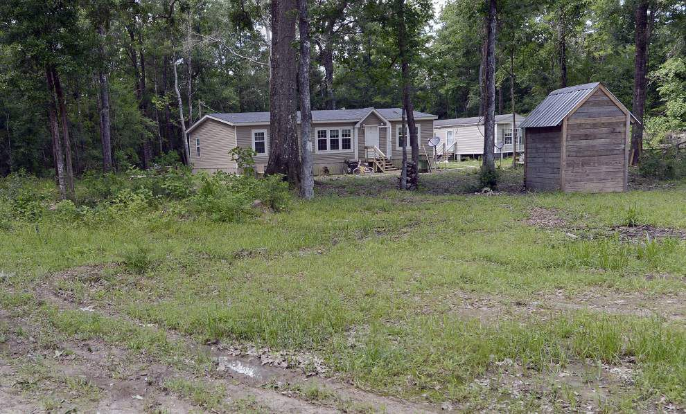 Family disputes State Police account of shooting injury at French Settlement mobile home; Livingston Parish deputy placed on leave during investigation _lowres