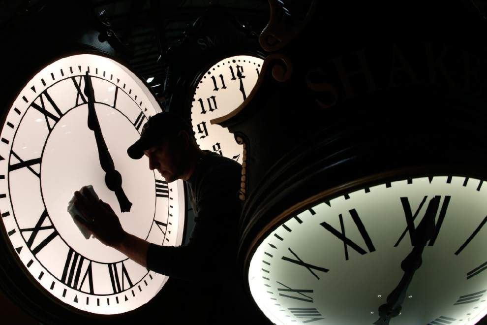Daylight saving time begins: Set clocks ahead one hour _lowres