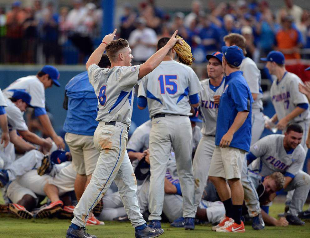 Young, streaking Florida faces another familiar foe in Omaha: the Hurricanes _lowres