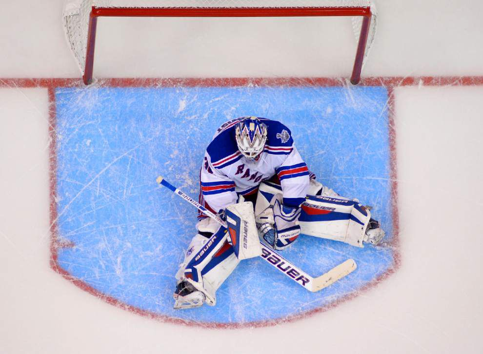 Quick pushes Kings to brink of Stanley Cup _lowres