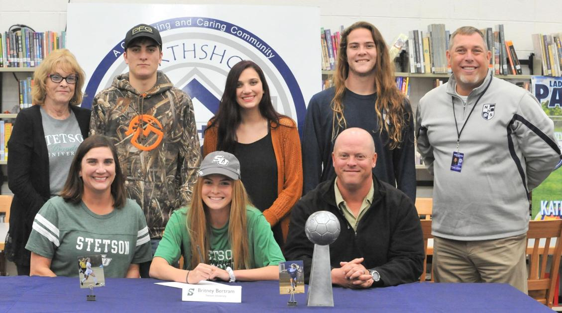 4 St. Tammany student athletes sign athletic scholarships at schools across country