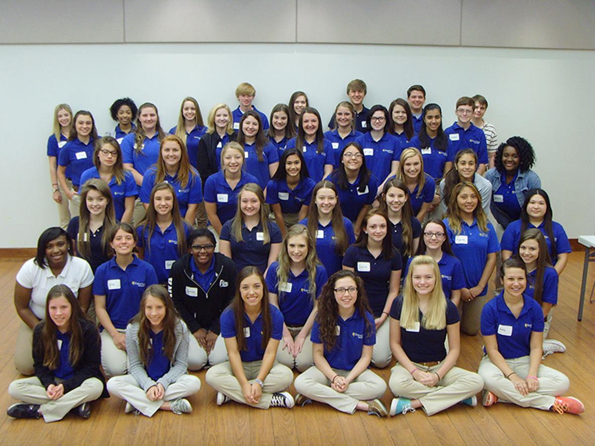 North Oaks Volunteer Junior Volunteer Group.jpg _lowres