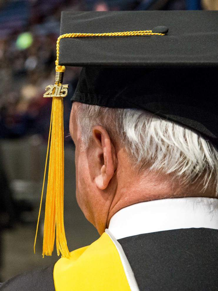 Photos: UNO commencement exercise _lowres
