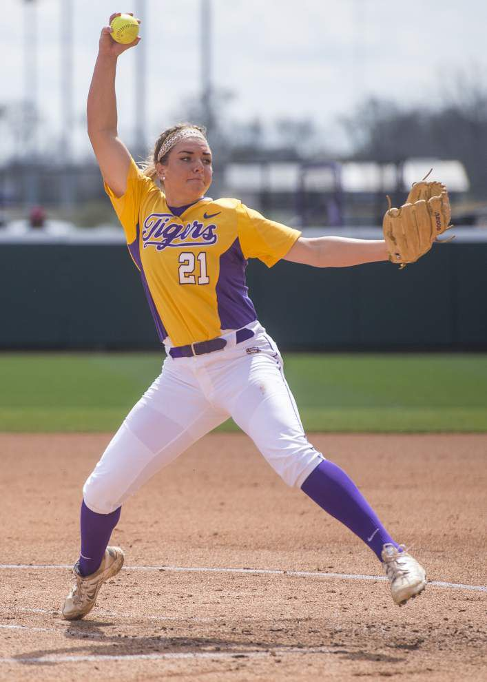 Rabalais: LSU's Carley Hoover pitches with attitude, toughness _lowres