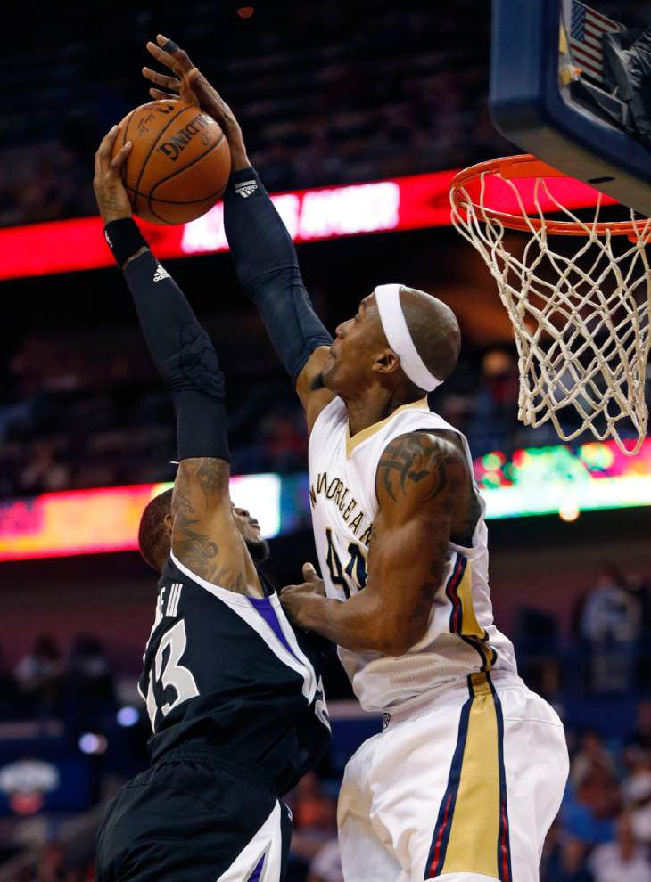 Short-handed Pelicans conquer Kings _lowres