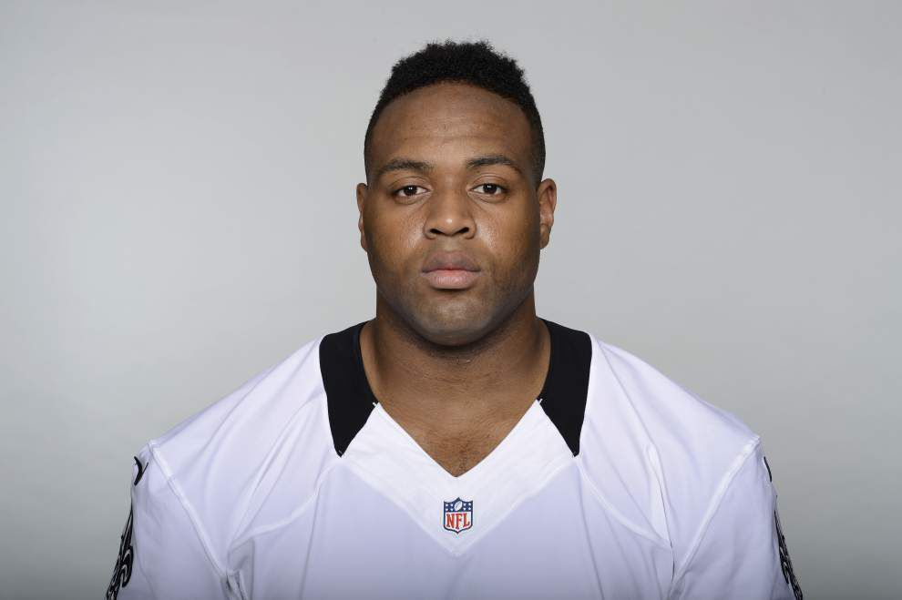 Analysis: Saints trading Akiem Hicks for Michael Hoomanawanui a surprise, but not a big blow to defense _lowres
