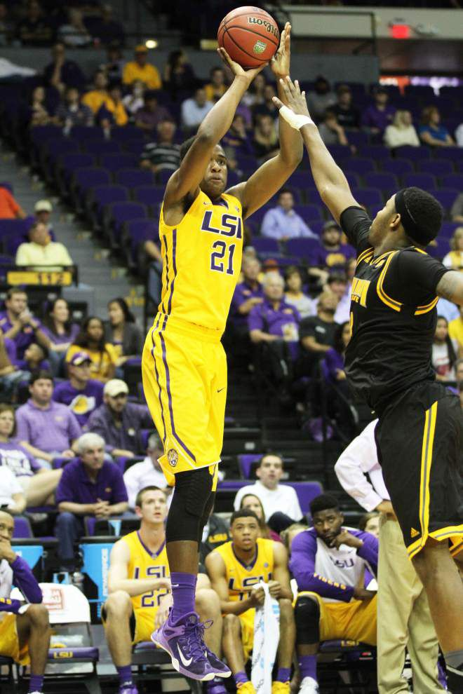 Simmons-led LSU rips Kennesaw St. State _lowres