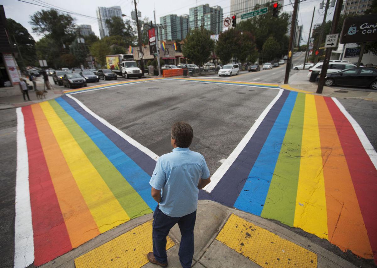 no.rainbowcrosswalkonline.061817