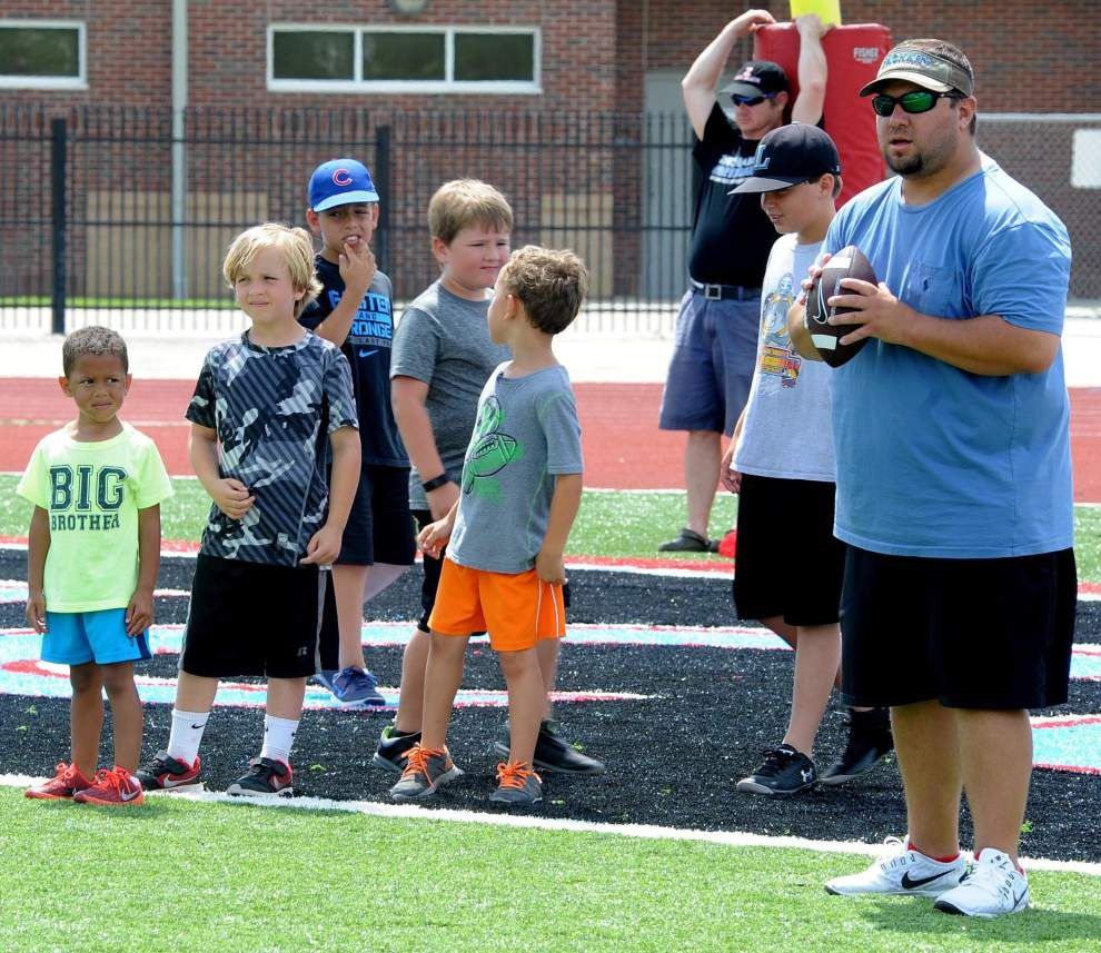 Zachary High hosts youth football camp _lowres