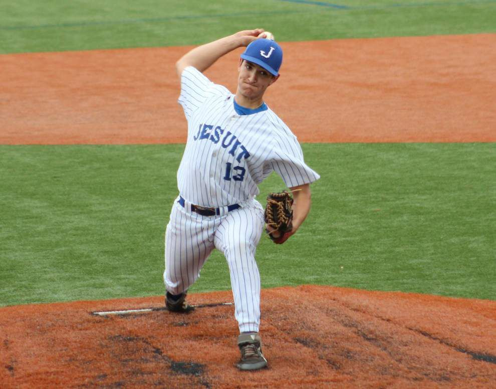 Jesuit designated hitter Austin North delivers game-winning hit as Jays beat Lutcher 3-2 _lowres