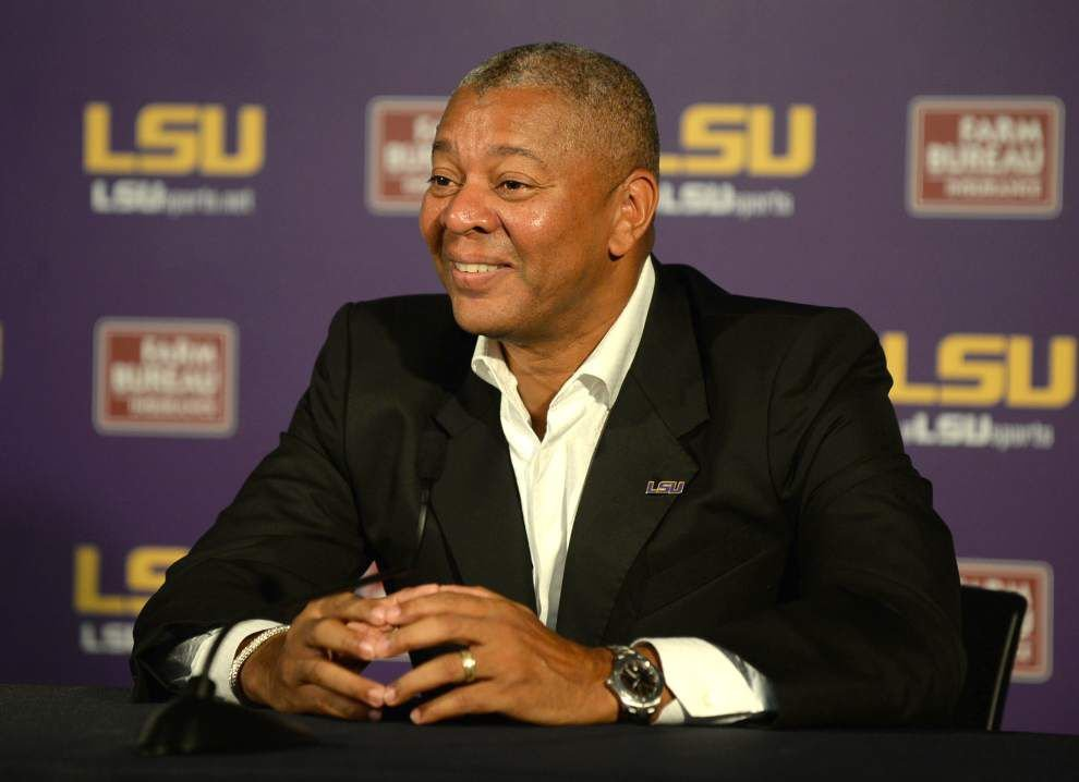 Video: LSU coach Johnny Jones pleased with play of the Tigers as they start SEC schedule _lowres