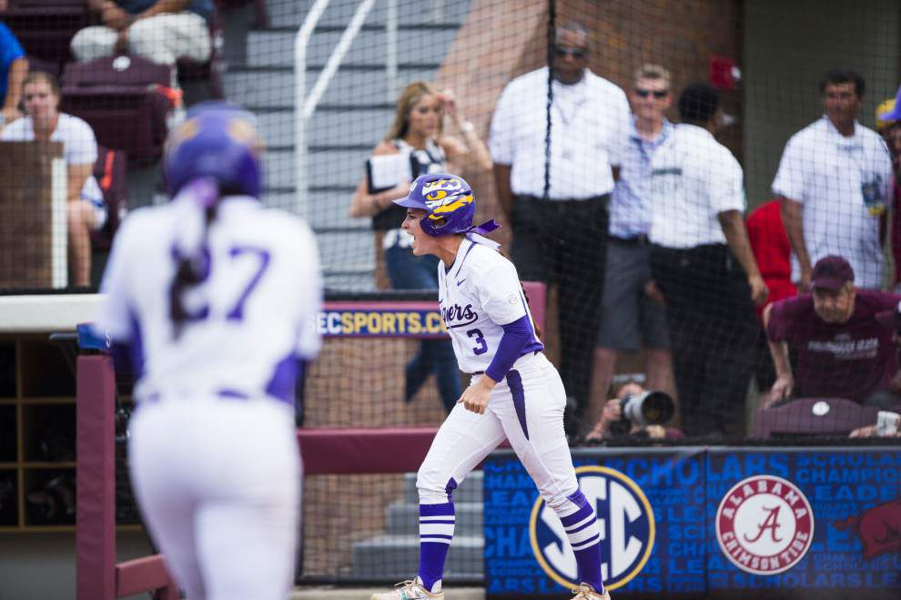 LSU softball team rallies with three in seventh to defeat Texas A&M _lowres