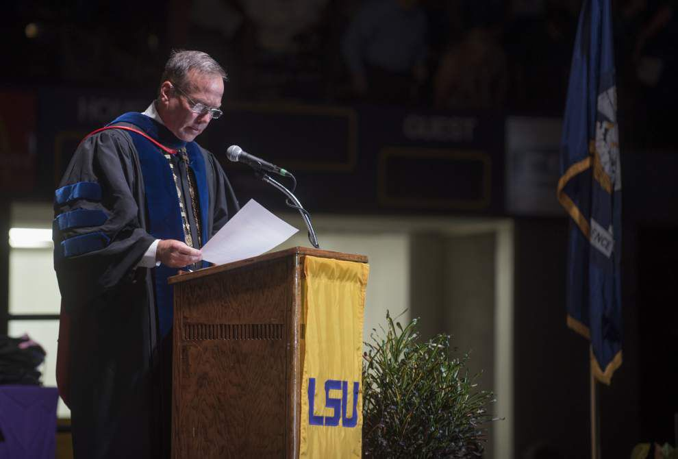 LSU holds summer graduation ceremonies for 672 students, from ages 20 to 64 _lowres
