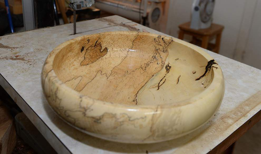Volunteer turns St. George's crape myrtle into striated bowls _lowres