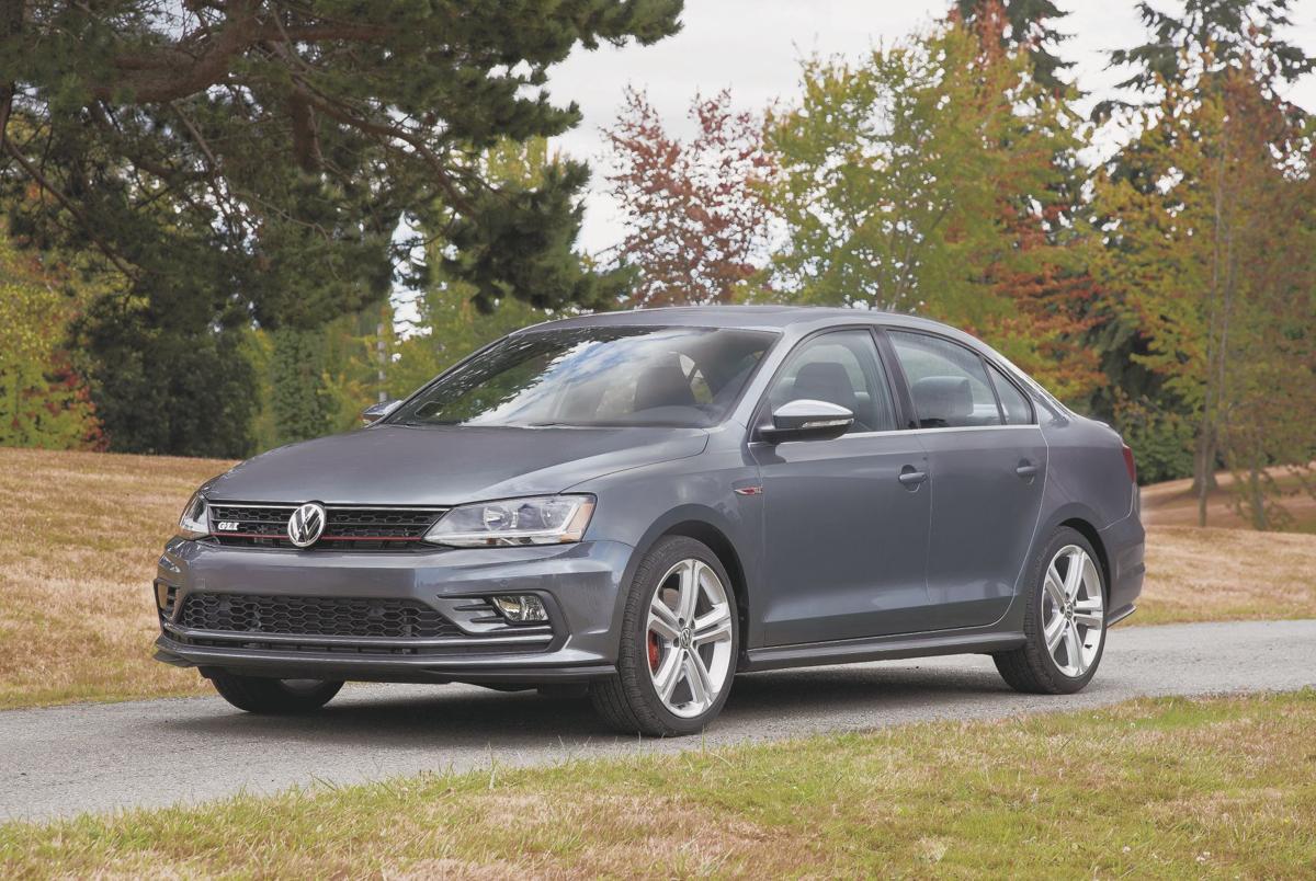 2017 Volkswagen Jetta 2 0t Gli Front Exterior