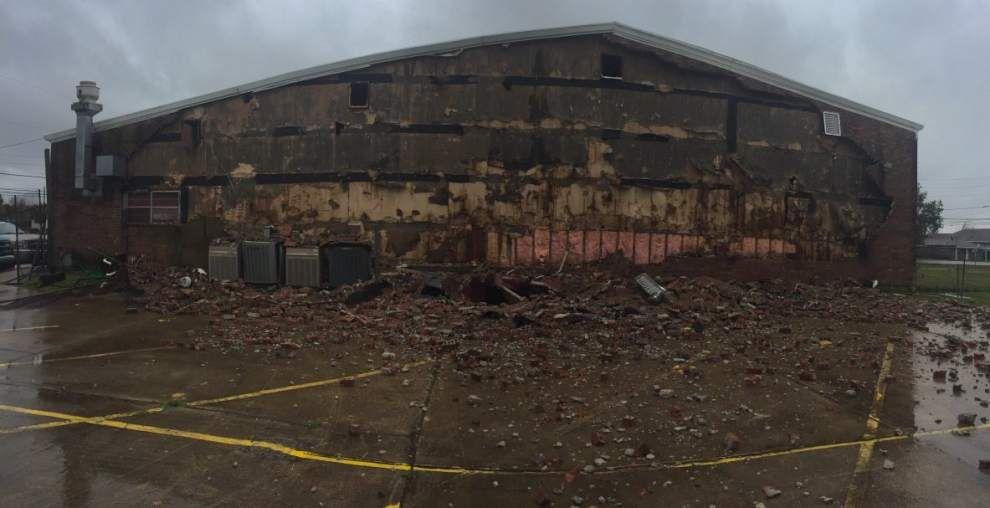 In Jefferson Parish, Causeway sees 120 mph winds; brick wall torn off church _lowres